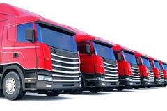 Fila de los camiones del cargo aislados en blanco Imagenes de archivo
