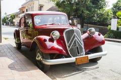 Fila de los coches retros Fotos de archivo libres de regalías