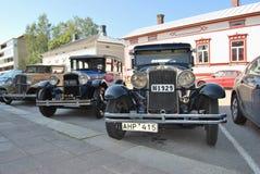 Fila de los coches retros fotografía de archivo