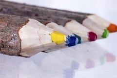 Fila de los lápices del color para dibujar Fotografía de archivo libre de regalías
