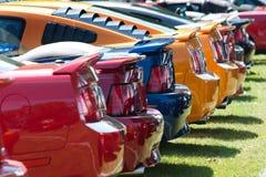 Fila de los mustangos de Ford imágenes de archivo libres de regalías