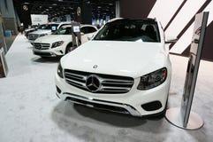 Fila de Mercedes Benz Crossovers Fotos de archivo libres de regalías