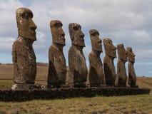 Fila de Moai Foto de archivo libre de regalías