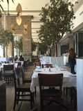 Fila de restaurantes foto de archivo