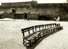 Fila de sillas vacías, arena Fotos de archivo libres de regalías