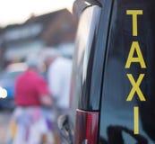 Fila de taxi Fotos de archivo libres de regalías