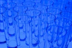 Fila de vidrios vacíos Fotografía de archivo libre de regalías