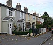 Fila dei cottage vittoriani in Staines Surrey Inghilterra fotografia stock