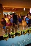 Fila dei vetri del champagne Immagine Stock Libera da Diritti