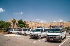 Fila dei volanti della polizia Fotografie Stock