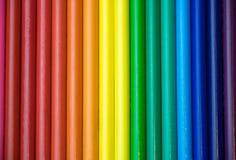 Fila dell'arcobaleno delle matite colorate Immagini Stock Libere da Diritti