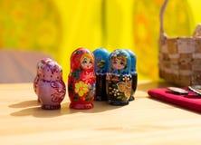 Fila delle bambole di Desting Matrushka del Russo Fotografia Stock Libera da Diritti