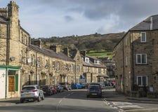Fila delle case a terrazze al ponte di Pateley, in North Yorkshire, l'Inghilterra, Regno Unito fotografia stock