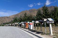 Fila delle cassette delle lettere in Nuova Zelanda Immagini Stock