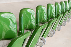 Fila delle sedie vuote Fotografia Stock