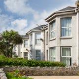 Fila di belle case inglesi a terrazze l'inghilterra Fotografia Stock Libera da Diritti