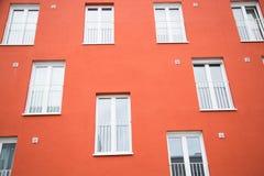 Fila moderna de la casa, fila colorida de la casa, fila hermosa de la casa en Mun fotos de archivo libres de regalías