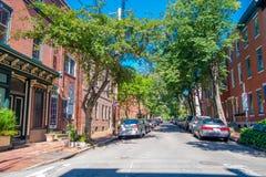 FILADELFIA, U.S.A. - 22 NOVEMBRE 2016: Bella vista delle costruzioni a Washington Square, con alcune automobili parcheggiate dent Fotografie Stock Libere da Diritti