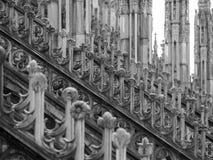 Filary na górze Mediolańskiej katedry Zdjęcia Royalty Free