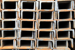 Filas aseadas del acero del canal Foto de archivo libre de regalías