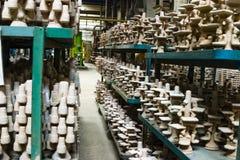 Filas de bastidores en fábrica Imagen de archivo libre de regalías