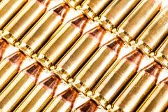Filas de la munición de la pistola Fotografía de archivo libre de regalías