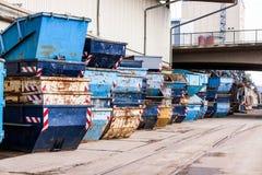 Filas de las extremidades vacías de la basura Fotografía de archivo libre de regalías