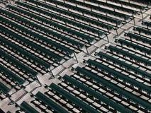 Filas de los asientos del estadio Imágenes de archivo libres de regalías