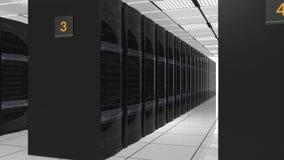 Filas de los servidores de la cuchilla en centro de datos