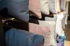 Filas texturizadas de la almohada Imagen de archivo