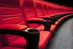 Filas vacías del teatro rojo Fotografía de archivo libre de regalías