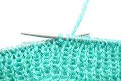 Filato e lavorare a maglia Fotografia Stock