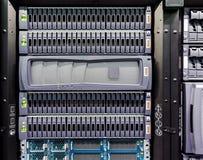 File dei dischi rigidi nel centro dati Fotografie Stock Libere da Diritti