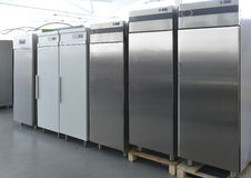 File dei frigoriferi moderni Fotografia Stock