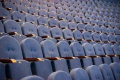 File dei posti vuoti nella sala per conferenze Fotografie Stock