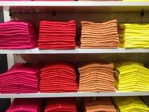 File dei vestiti piegati Immagini Stock Libere da Diritti