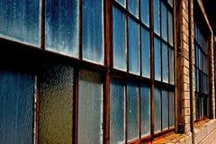 File dei vetri di finestra di vetro opachi Immagine Stock