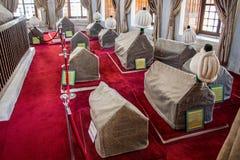 File delle bare in tomba del mausoleo dell'ottomano fotografie stock