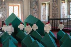 File delle bare in tomba del mausoleo dell'ottomano immagini stock