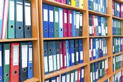 File folders, standing on the shelves Royalty Free Stock Photography