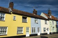 Fileira colorida das construções perto da costa do Suffolk em Southwold Fotografia de Stock Royalty Free