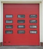 Fileira da garagem do quartel dos bombeiros foto de stock royalty free
