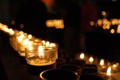 Fileira das velas Imagem de Stock Royalty Free