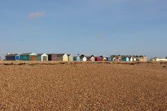 Fileira de cabanas coloridas da praia imagem de stock royalty free