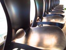 Fileira de cadeiras Imagens de Stock Royalty Free