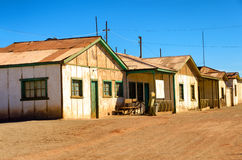 Fileira de casas abandonadas fotografia de stock