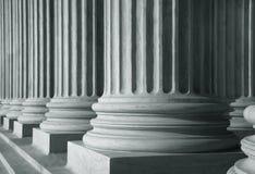 Fileira de colunas altas Fotografia de Stock