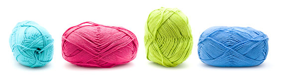 Fileira de esferas do fio para confecção de malhas do algodão Foto de Stock