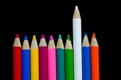 Fileira de lápis coloridos Foto de Stock Royalty Free