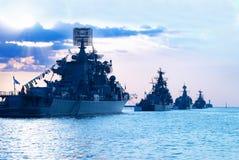 Fileira de navios militares Foto de Stock Royalty Free